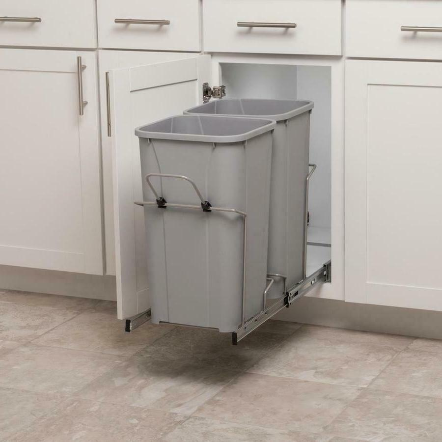 27 quart plastic pull out trash can